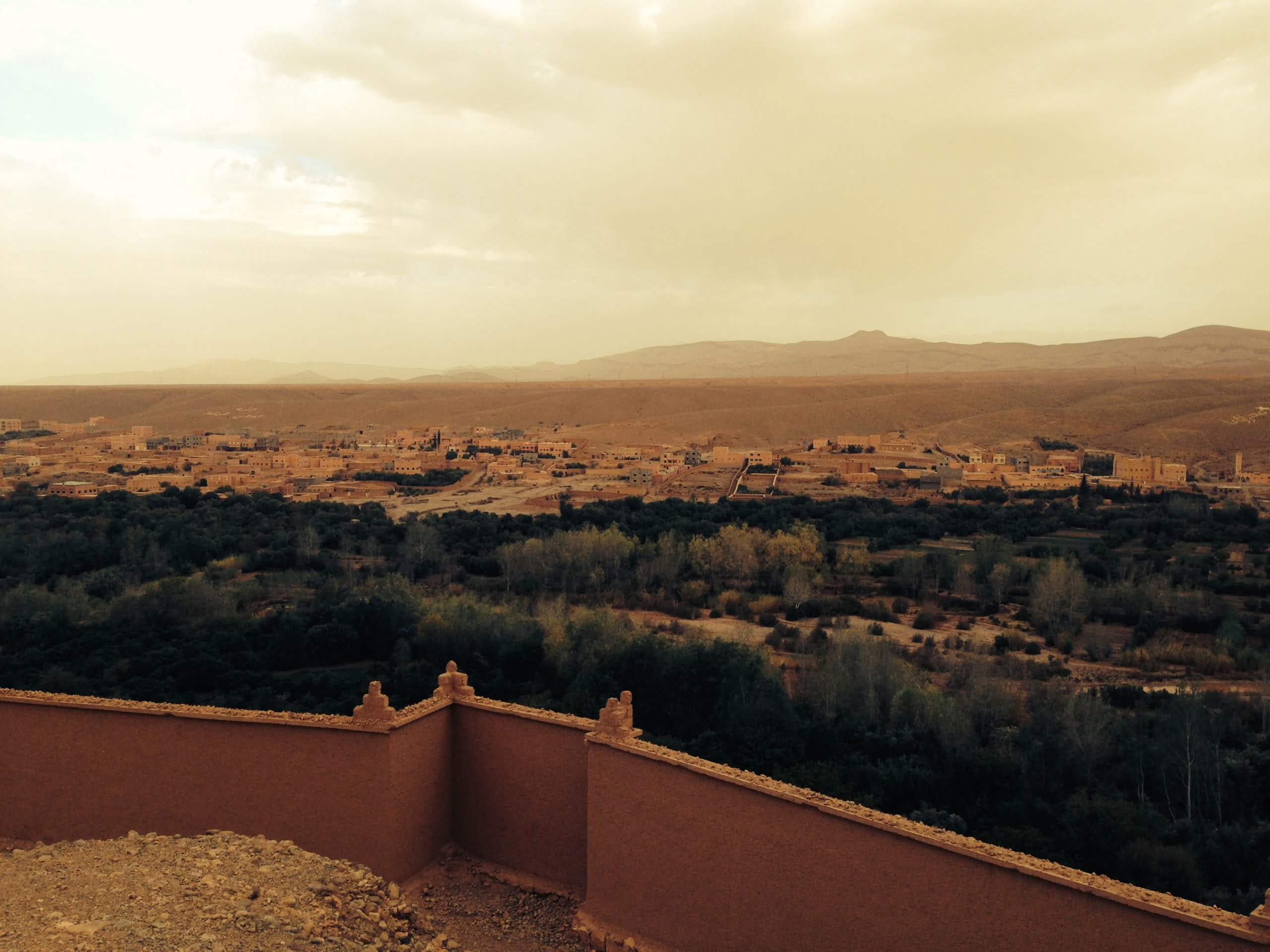 Uitzicht Dadesvallei- woestijnexcursie Sahara Marokko