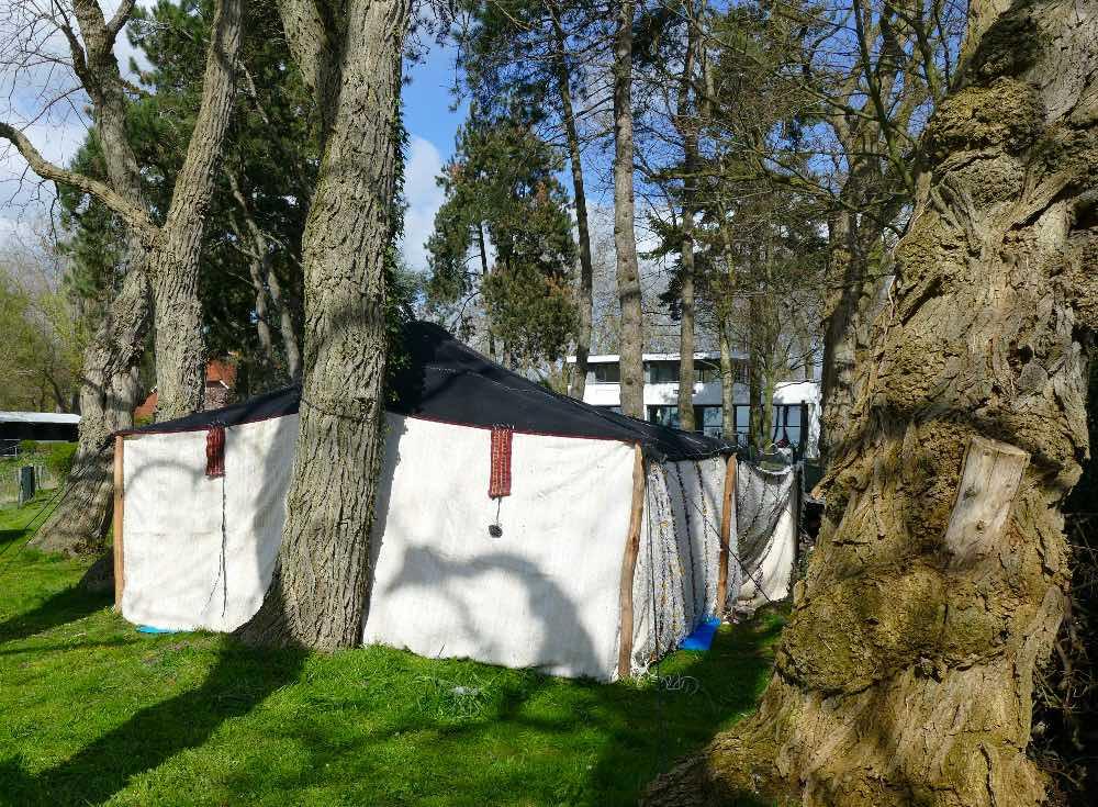 nomaden tent achterkant