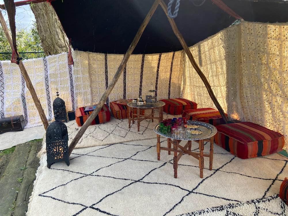 Nomaden tent ingericht